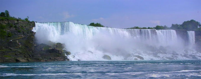 photo of the Niagara Falls.